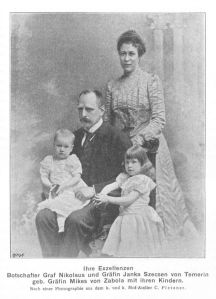 Nikolaus Count Szecsen with his family